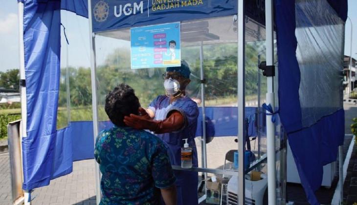 Tiga Rumah Sakit DIY Pakai Bilik Pengambilan Sampel Swab Buatan UGM