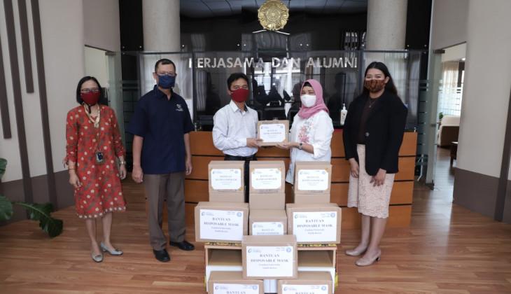 UGM Terima Bantuan APD dari Gachon University