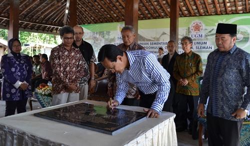 Gubernur DIY Resmikan Huntara Kuwang