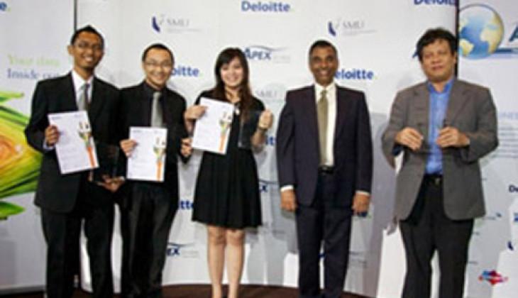 Tim Phinisi UGM Juara III dalam APEX Global Business-IT Case Challenge