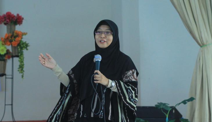 Bertha Maya Sopha Raih Penghargaan Distinguished Woman in Industry and Academia Award
