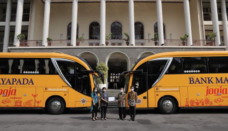 UGM Terima Bantuan 2 Bus dari Bank Mayapada