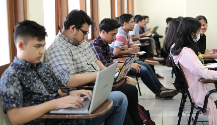 FH UGM dan PERADI Jalin Kerjasama Pendidikan Khusus Profesi Advokasi