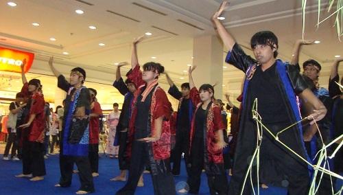 Mahasiswa Jepang Galang Dana Bagi Korban Gempa dan Tsunami
