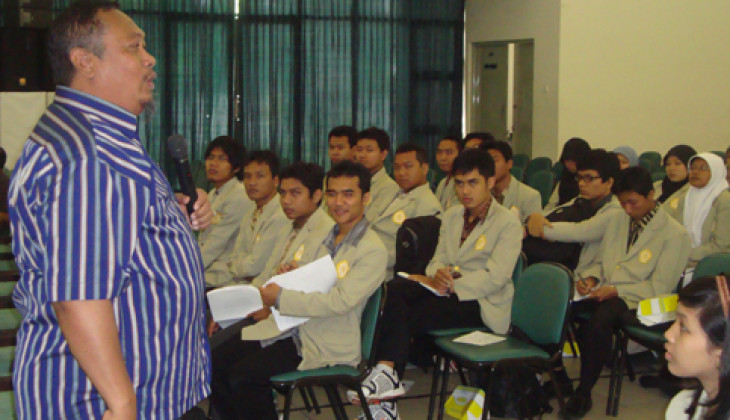 Mahasiswa Peserta SP2MP Ikuti Studium General