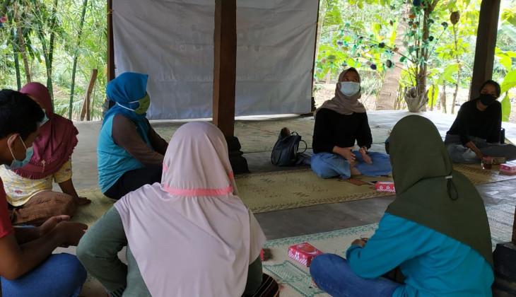 PSEK UGM Latih Warga Menoreh Membuat Konten Video