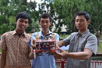 Tim Robot UGM Siap Bertanding di Kontes Robot Cerdas Dunia