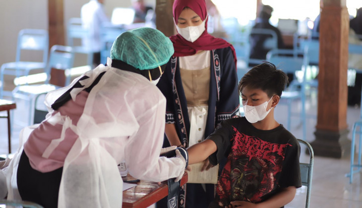 UGM Gelar Vaksinasi Massal untuk warga di sekitar Hutan Wanagama