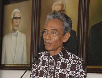 Prof. Kaelan Pensiun, Guru Besar UGM Berjumlah 438 Orang