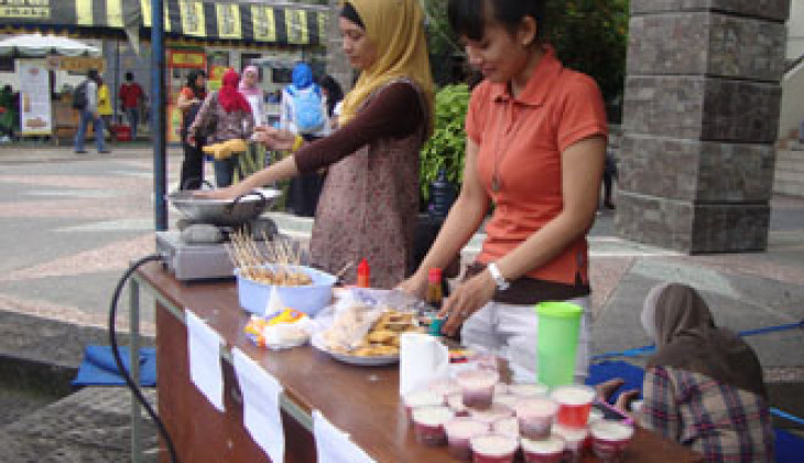 Launching Majalah, Mahasiswa Peternakan Gelar Food Festival Gallusia