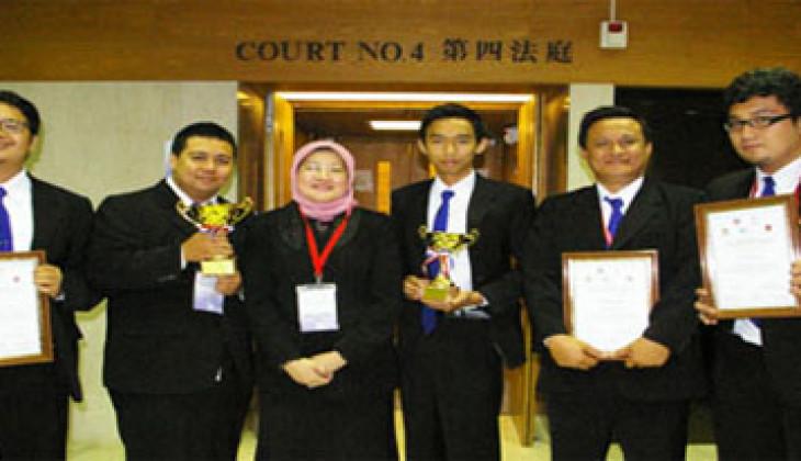 Kompetisi IHL MCC, Tim FH UGM Raih Best Memorial Award
