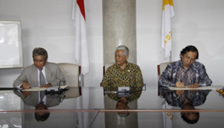 PT Gula Putih Mataram Bantu Bangun Gedung Pascasarjana Fakultas Pertanian