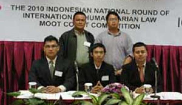 TIM IHL FH UGM Raih Juara I Kompetisi Peradilan Semu Tingkat Nasional