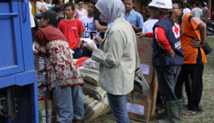 Dibantu 66 Relawan, DERU UGM Terus Salurkan Bantuan untuk Pengungsi Merapi