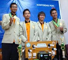 Kembangkan Meteran Listrik Digital Hantarkan Mahasiswa UGM Raih Emas di Pimnas XXIII