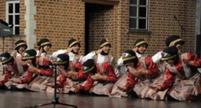 Tim Kesenian IMABA FIB UGM Ramaikan Festival Kesenian Dunia di Belgia