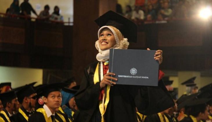 UGM Wisuda 1.598 lulusan Sarjana dan Diploma