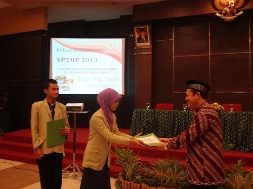 300 Mahasiswa Ikuti Kuliah Perdana SP2MP 2013