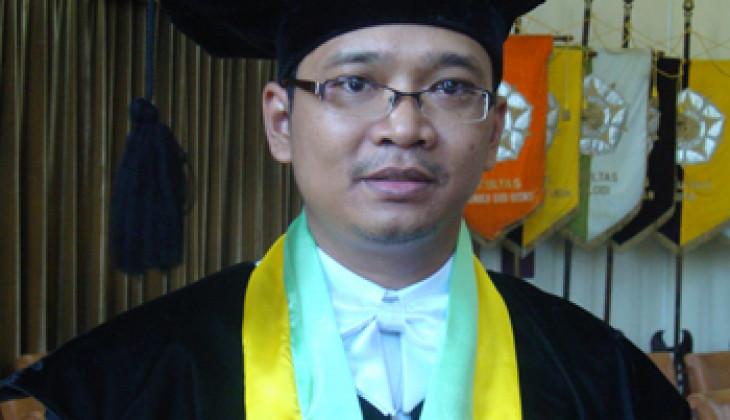 Prof. Agung Endro, Guru Besar Termuda UGM Dikukuhkan