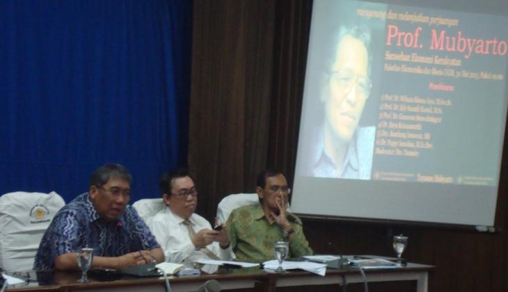 Meneruskan Kembali Pemikiran Mubyarto