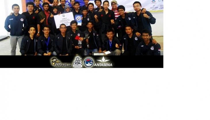 UGM  Juara II KOMURINDO 2013 Kategori Muatan Roket