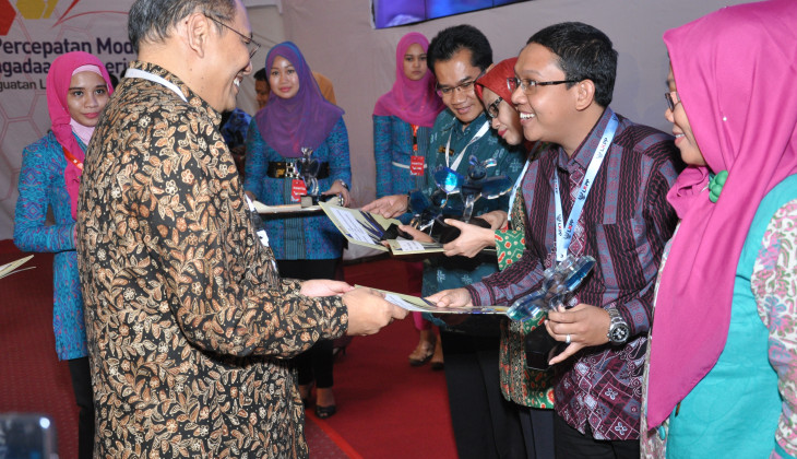 LPSE UGM Raih e-Procurement Award 2013