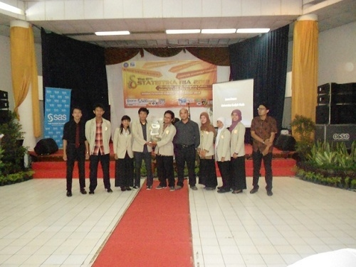 UGM Juara Umum Statistika Ria 2012