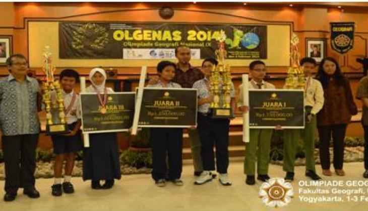 SMP Ar-Rahmat Bojonegoro Juara Lomba Ketangkasan Geografi