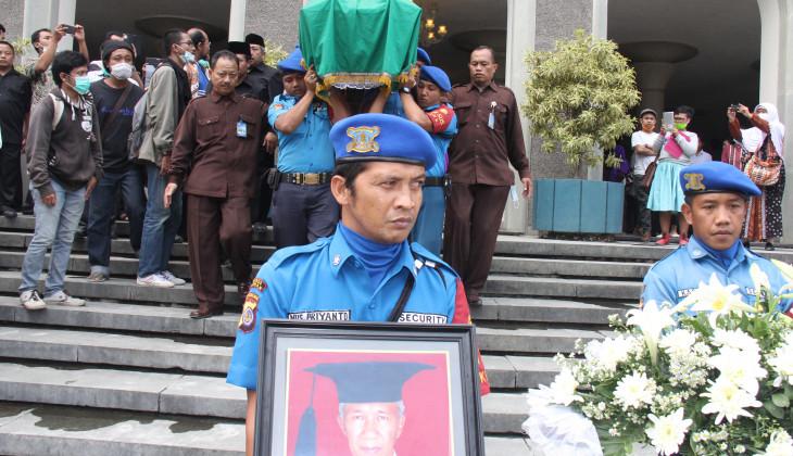 Pakar Filsafat Jawa UGM, Prof. Dr. Damardjati Supadjar Berpulang