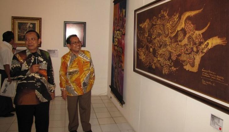 Basu S.D. Pamerkan Lukisan Batik