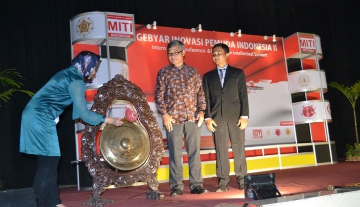 Menkominfo: 270 Juta Pengguna Ponsel di Indonesia