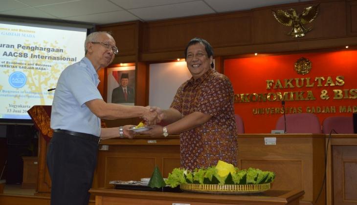 Pertama di Indonesia, FEB UGM Raih Akreditasi AACSB