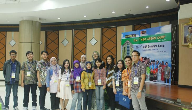 Empat Mahasiswa UGM Ikuti NIDA Summer Camp Thailand