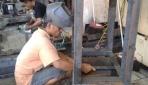 I-PAPS, Mesin Press Semi Otomatis Penopang UKM Helm Ukir Kota Gede