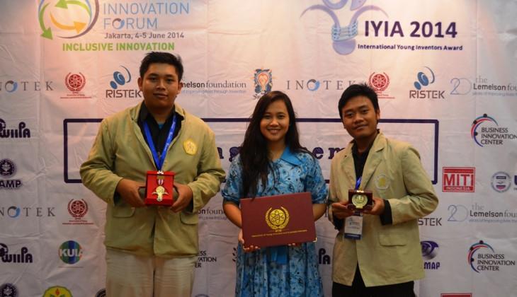 Tim Tinta Cumi UGM Raih Dua Penghargaan Internasional