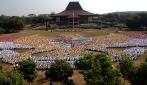 9.133 Mahasiswa Baru UGM Bentuk Formasi Garuda