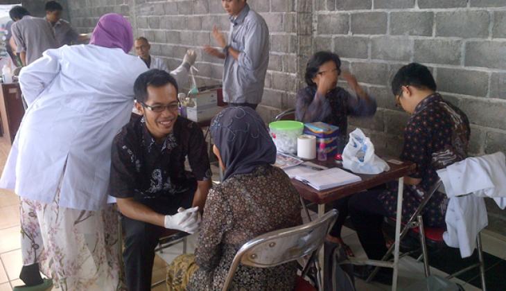 UGM Bakti Sosial Untuk Warga Sekitar Kampus