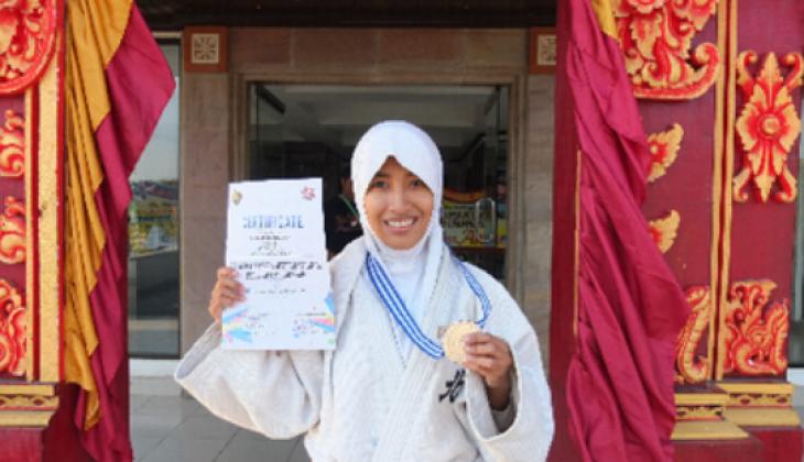 Aprilia Raih Perak di Bali Open International Judo Championship