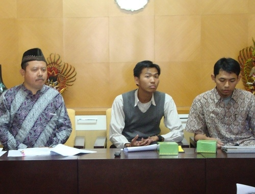 Parade Nusantara Warnai PPSMB UGM 2012