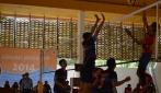 Tim bola voli putra dari Universitas Trisakti dan Universitas Brawijaya saat bertanding dalam Kompetisi Bola Voli Gadjah Mada 2014 di Hall Gelanggang UGM, Senin (13/10).