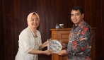 UGM Asah Calon Diplomat Handal