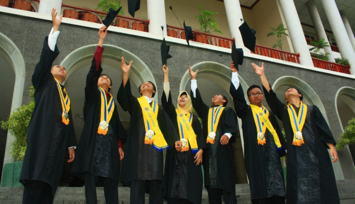 Menuju Universitas Berkelas Dunia, UGM Genjot Lulusan Siap Kerja
