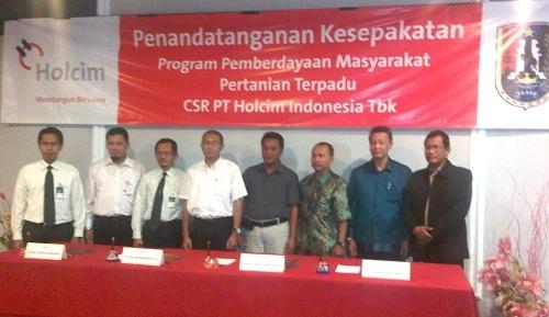 Fakultas Peternakan - Holcim Sepakat Kerjasama Pengembangan Pertanian Terpadu