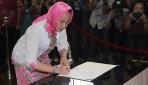 Dwikorita Karnawati Dilantik Jadi Rektor UGM 2014-2017