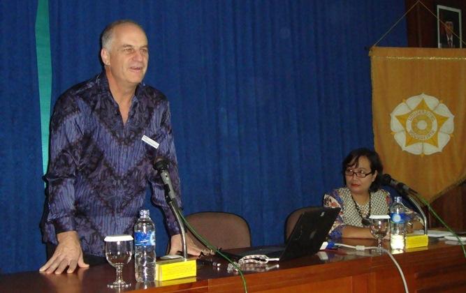 UGM Perkuat Kerja Sama Dengan Charles Darwin Universi
