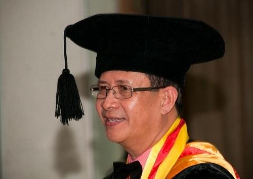 Raih Doktor Usai Teliti Relasi Islam dan Kristen di Filipina Selatan