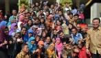 Mensesneg dan Mendikbud Lepas Guru Penggerak Mengajar di Pedalaman Papua