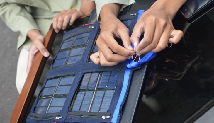 Universitas Gadjah Mada: Portable Solar Puzzle Help Travelers Have ...