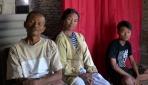 Doa Orang Tua Mengantarkan Sudarmono Masuk UGM
