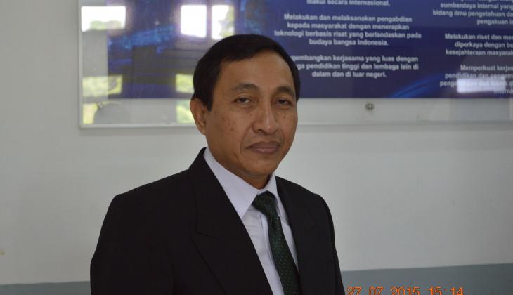 Teliti Komposit Partikulat Pembuatan Mold, Suryo Raih Doktor